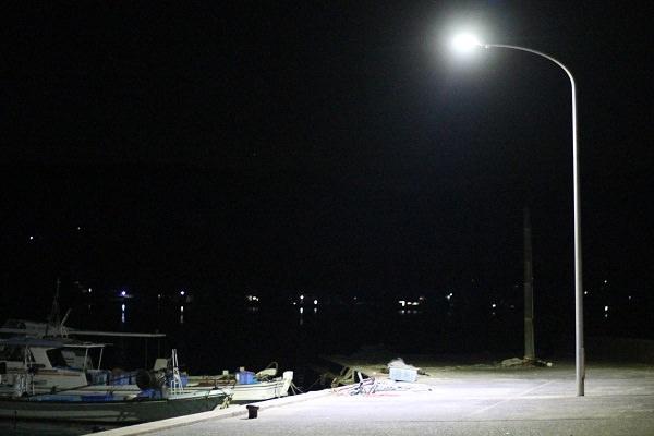 新町漁港の常夜灯
